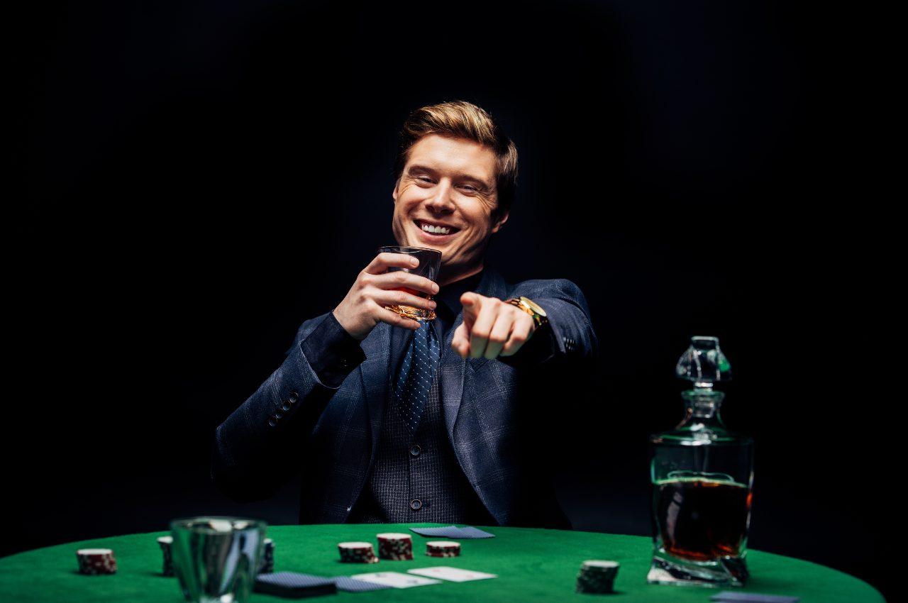 principianti al tavolo da poker