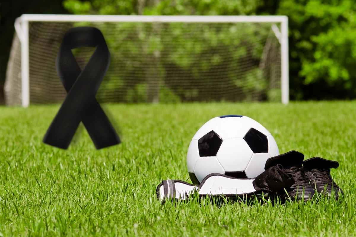 Lutto nel calcio (AdobeStock)