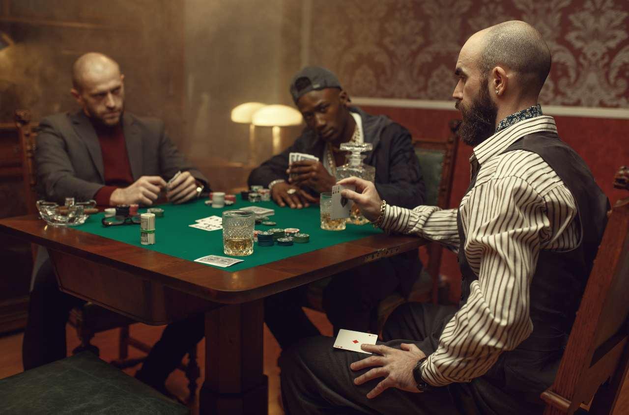 barare al tavolo da poker