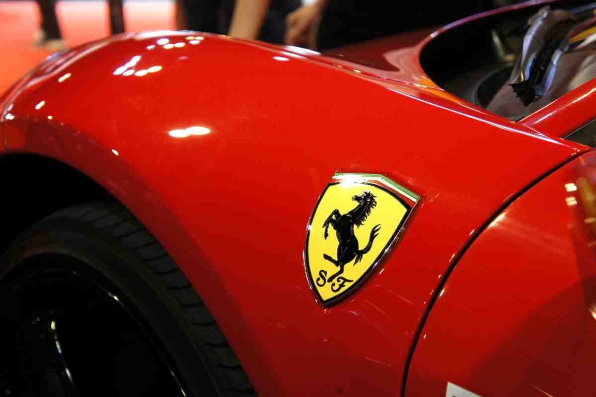 Ferrari (AdobeStock)