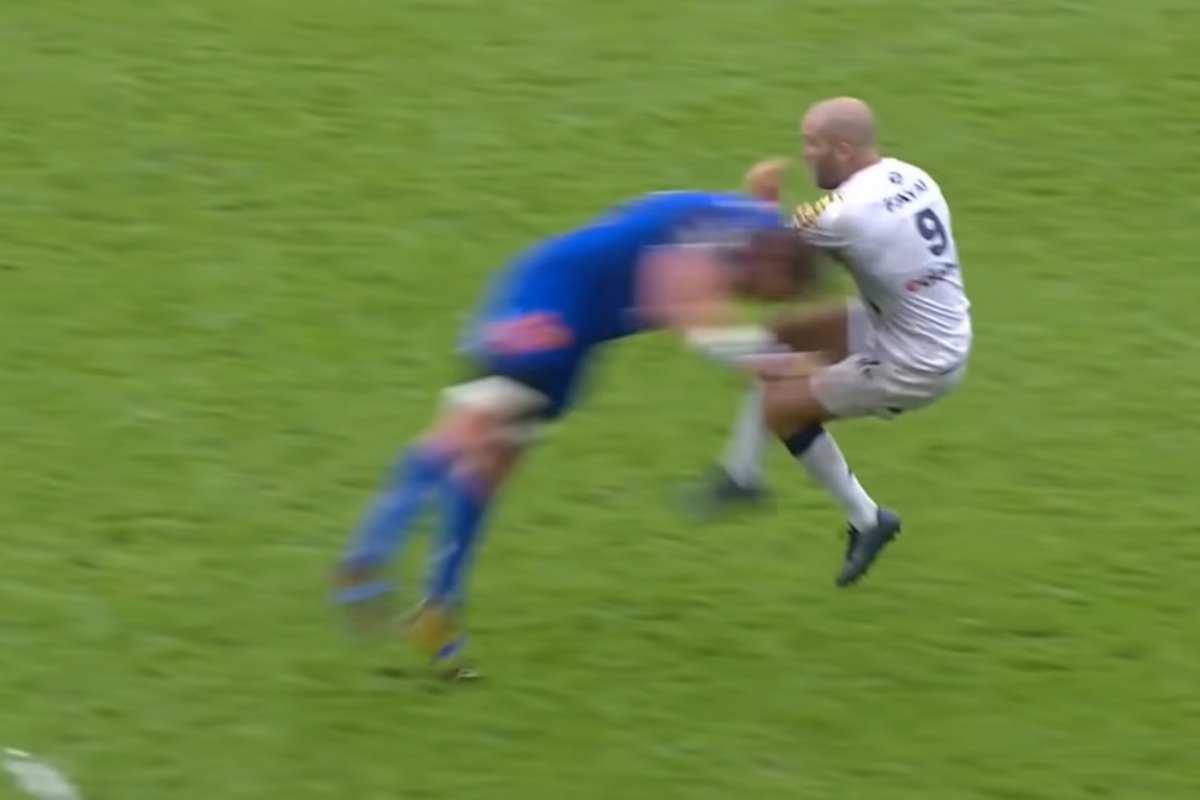 Placcaggio nel rugby (YouTube)
