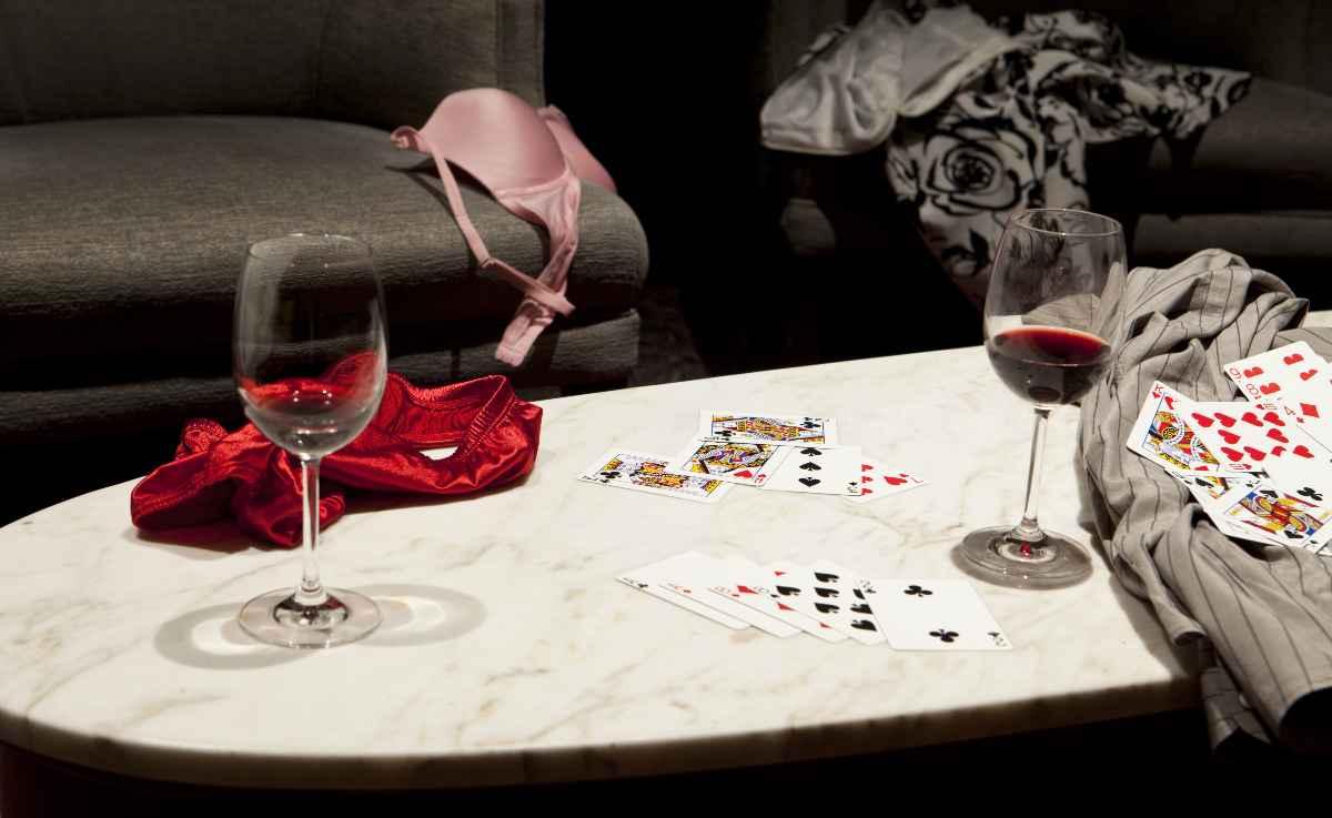 strip poker a casa
